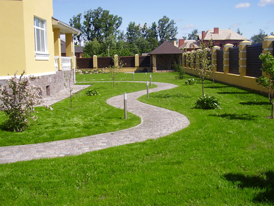 Дизайн территория перед домом